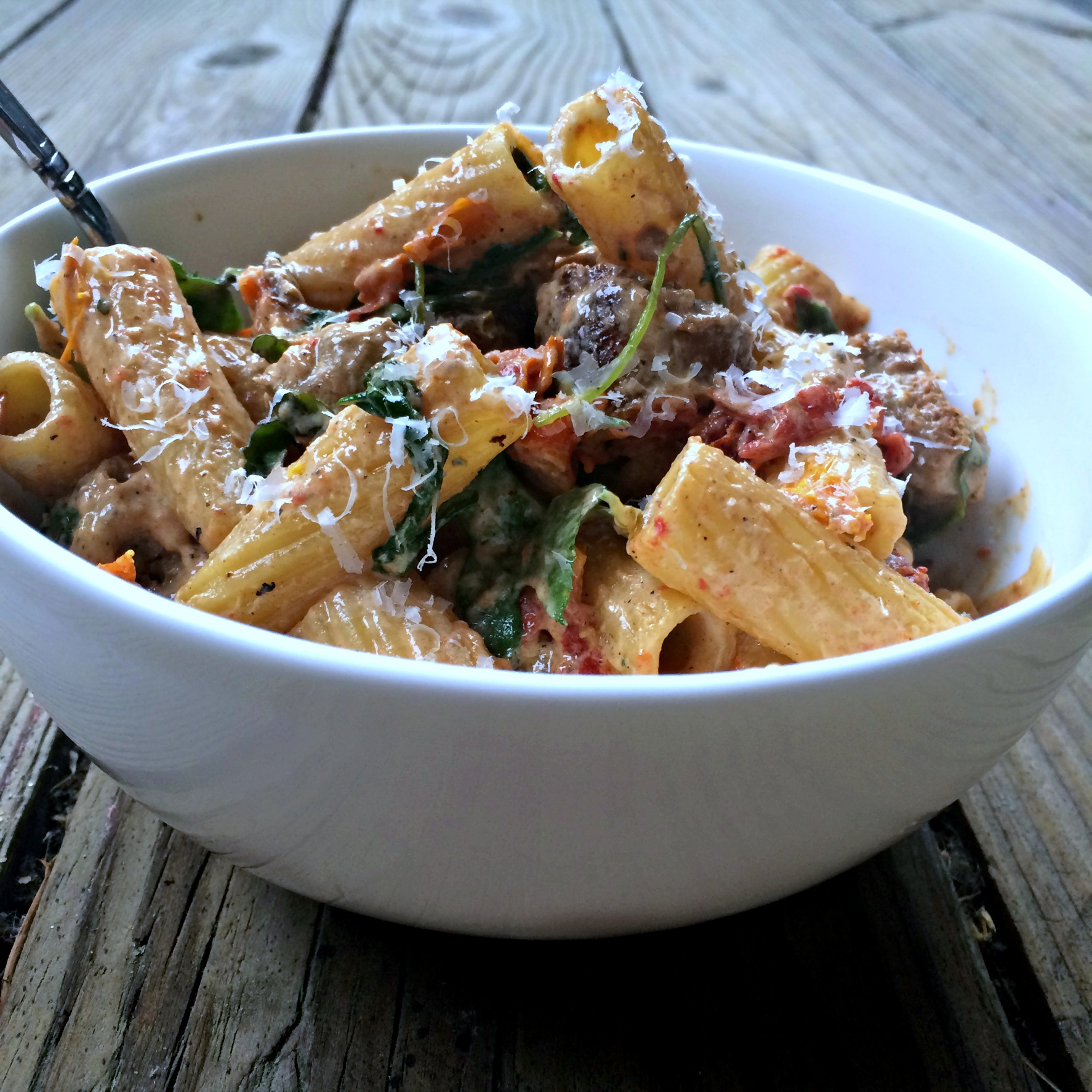 Pasta with Sun-Dried Tomatoes, Arugula, and Goat Cheese